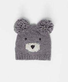 Cute bear hat, null€ - null - Find more trends in women fashion at Oysho . Baby Hats Knitting, Knitting For Kids, Baby Knitting Patterns, Knitted Hats, Crochet Hats, Diy Crafts Knitting, Knitting Projects, Crochet Dinosaur Patterns, Beanie Pattern Free