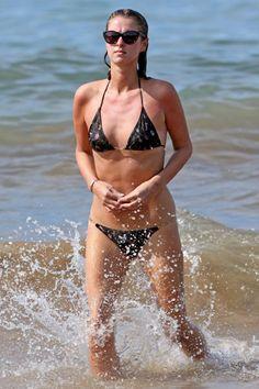Paris Hilton and Nicky Hilton: Bikini babes