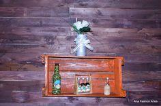 Nicho feito com caixote de feira, pintado na cor Coral e envernizado. Sugestões de uso - Ana Fashion Artes by Ana Claudia de Jesus.