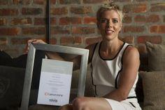 Santa Eksteen of Sterlings with her award.