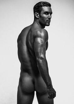 Alex Cannon al desnudo por Specular