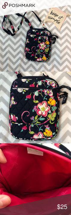 cb0046287a Vera Bradley crossbody bag Vera Bradley crossbody bag. Was given to me as a  gift