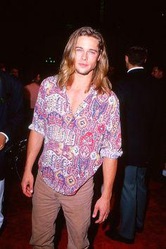 """""""Brad Pitt, un hombre de elegancia atemporal"""" 1993 - VOGUE.mx"""
