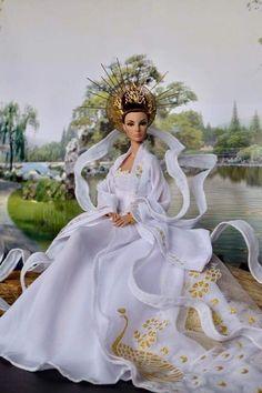 Barbie Gowns, Barbie Doll, Fashion Dolls, Fashion Outfits, Wedding Doll, Baba, Doll Face, Beautiful Dolls, Vogue
