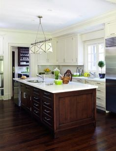 White/Dark Cabinets with dark floor. Anne Hepfer Designs: Amazing two-tone kitchen with ivory shaker kitchen cabinets and coffee stained center . New Kitchen, Kitchen Dining, Kitchen Decor, Design Kitchen, Kitchen Paint, Kitchen Ideas, Grey Kitchens, Home Kitchens, Farmhouse Kitchens