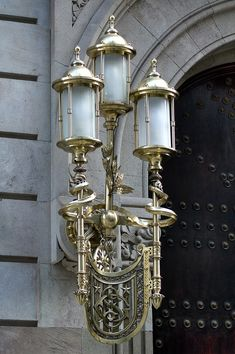 And now for something completely different, a modernist lamp at Portal del Angel, a very important street in Barcelona, near Plaza de Cata. Lamp Light, Light Up, Art Deco, Art Nouveau, Cool Lamps, Diy Lamps, Table Lamps, Lantern Lamp, Wall Lights