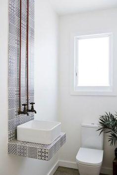 Beautiful Small Bathroom Remodel Ideas (44)