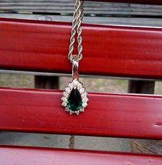 Beautiful Vintage Gold Tone Emerald Rhinestone Teardrop Pendant Necklace. EUC #Roman #Pendant