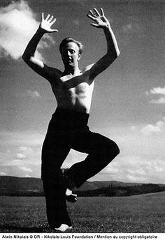 • Alwin Nikolais (1910-1993) • Danse Moderne