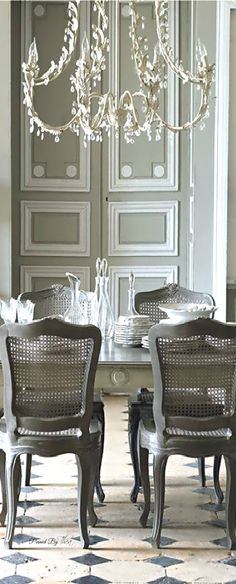 97 Marvelous French Country Dining Rooms Decoration Ideas - Page 30 of 99 French Country Dining Room, French Country Kitchens, French Country House, Country Farmhouse, French Interior, French Decor, French Country Decorating, Hill Interiors, French Furniture