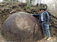 Rezultat slika za kamene kugle -stone balls pics