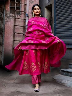 Pink Chanderi Floral Block Printed Suit - Set of 3 Indian Attire, Indian Ethnic Wear, Ethnic Suit, Indian India, Pakistani Dresses, Indian Dresses, Pakistani Suits, Punjabi Suits, Bridal Anarkali Suits