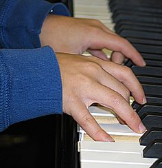 "True Piano Lessons - This site offers FREE help for all piano players from stark beginners, to frustrated-""been taking piano for years, but still can't play much…""- piano students, to more advanced students looking for resources, to teachers who need ideas. Free Piano Lessons, Guitar Lessons For Beginners, Music Lessons, Learning Piano, Piano Teaching, Piano Y Violin, Piano Sheet Music, Piano Exercises, Finger Exercises"