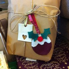 Handmade Christmas gift tags - clay tag and felt Xmas pudding decoration