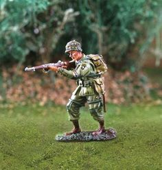 World War II U.S. 101st Airborne CS00739 Standing Firing Rifle - Made by The Collectors Showcase Military Miniatures and Models. Factory made, hand assembled, painted and boxed in a padded decorative box. Excellent gift for the enthusiast.