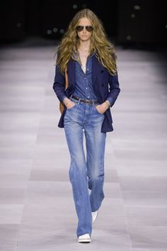 Celine ready to wear Spring Summer 2020 Fashion Show Vogue Paris Trend Fashion, 2020 Fashion Trends, Fashion 2020, Look Fashion, Paris Fashion, Runway Fashion, Fashion Moda, Vogue Fashion, Fashion Weeks