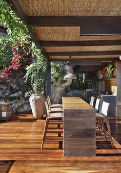 Casa de praia aberta ao mar de Angra dos Reis