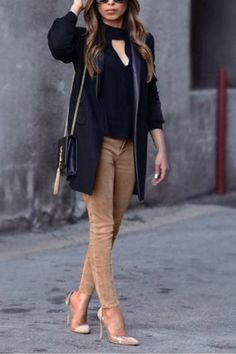 work-outfit-idea-nude-suede-pants-pointy-toe-nude-pumps-blazer