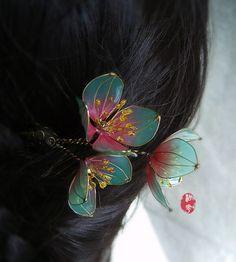 Oriental Vintage style Plum blossom hair by Numerousflowerfall Headpiece Wedding, Bridal Headpieces, Wedding Veils, Asian Hair Ornaments, Kanzashi, Bride Hair Accessories, Bridal Hair Vine, Art Nouveau Jewelry, Hair Sticks