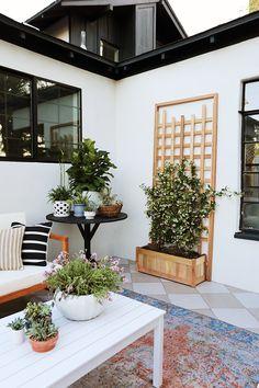 Evergreen Project: Side Porch Reveal - Juniper Home Modern Patio Design, Contemporary Patio, Home Design, Design Ideas, Outdoor Rooms, Outdoor Living, Outdoor Patios, Outdoor Kitchens, Evergreen House