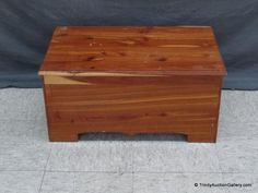 Lot # : 70 - Vintage Small Cedar Chest for Children's Use