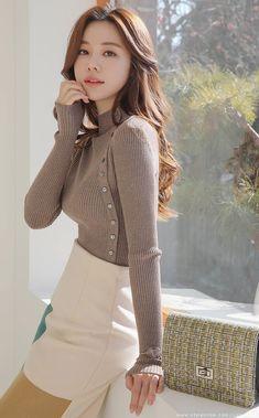 Styleonme fashion models Artistic Square Print H-Line Skirt Cute Asian Fashion, Korean Girl Fashion, Ulzzang Fashion, Colorful Fashion, Look Fashion, Fashion Outfits, Womens Fashion, Fashion Design, Fashion Models