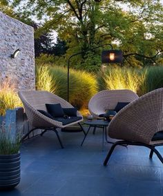 Find the best terrace design ideas to match your style. Browse through images of decking ideas & decoration to create your perfect outdoor space. Outdoor Seating, Outdoor Rooms, Outdoor Gardens, Garden Seating, Outdoor Pallet, Lounge Seating, Lounge Chairs, Outdoor Chairs, Terrasse Design
