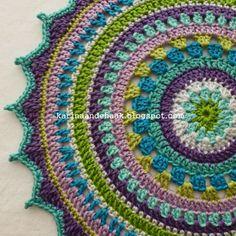 Karin aan de haak! Kleedje voor Boeddha - Patroon  Look at the colours!!
