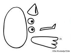 DIY Knuffeltje vogel van viltlapjes -... | boekknutsel | knutselen | handwerken | naaien | vogel | De Knutseljuf Ede Vans Shop, Softies, Activities For Kids, Valentino, Bird, Education, Sewing, School, Crowns