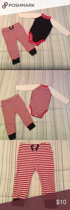 Burt's Bees Baby 6/9 Months Pajamas ❤️ Burt's Bees Baby 6/9 Months Pajamas ❤️ Used but in excellent condition ❤️ Burt's Bees Baby Pajamas Pajama Sets