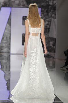 YolanCris | RIMAYA wedding dress