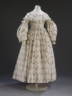 Wedding dress, 1841, England, V and A