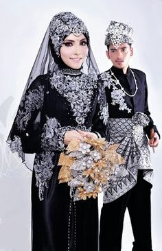 Model Baju Pengantin Muslim 2014, bride wear black Muslim Wedding Gown, Malay Wedding Dress, Hijabi Wedding, Disney Wedding Dresses, Muslim Brides, Pakistani Wedding Dresses, Muslim Couples, Street Hijab Fashion, Muslim Fashion