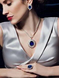 Fine jewelry necklaces that truly are amazing. Royal Jewelry, High Jewelry, Luxury Jewelry, Indian Jewelry, Jewelry Sets, Geek Jewelry, Vintage Jewellery, Jewelry Stores, Bracelet Cartier