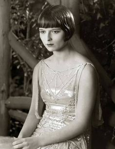 Louise Brooks Louise Brooks, Film Muet, Golden Age Of Hollywood, Old Hollywood, Silent Film, Bob Hairstyles, 1920s, Movie Stars, Vintage Beauty