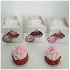 P243 cupcakes individuales dia de la madre. pinksugar#pinksugar #cupcakes  #barranquilla #pasteleria #reposteriacreativa #tortas #fondant #reposteriabarranquilla #happybirthday  #vainilla  #cake #baking  #galletas #cookies  #buttercream #vainilla  #oreo  #cupcakesbarranquilla #brownie #brownies #chocolate #rosecake