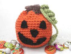 How to crochet an adorable pumpkin pattern for Halloween.