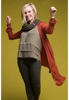 How does this dynamic Type 3 outfit with chunky knit scarf inspire you to live your truth and love your life? Get this look at shopdyt.com #DYTisFree #DressingYourTruth #CarolTuttle #Type3 #RichandDynamic
