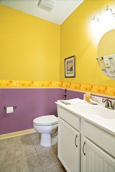 ¡Con esta propuesta tu #baño lucirá lleno de vida! Todo empieza con un toque de #COLOR.   Revista #Sensaciones No. 76 #Comex #amarillo #bath