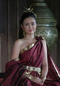 Pre-colonial History of the Philippines - The Learning Corner - Quora Traditional Fashion, Traditional Dresses, Greek Dress, Filipino Fashion, Philippines Culture, Filipino Culture, Mori Girl, Historical Clothing, Fashion History