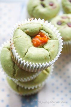 The mochi cupcake base is pretty straightforward and very versatile. I planned to only make matcha mochi cupcakes with red bean filling since matcha paired with aduki beans seemed like the default flavour for Japanese desserts. Tea Recipes, Cupcake Recipes, Sweet Recipes, Dessert Recipes, Green Tea Mochi, Matcha Green Tea Powder, Asian Desserts, Just Desserts, Tea Cakes