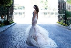 So pretty! Lovely wedding gown