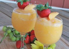 "Peach Moscato Wine Slushies ~ Make These Asap. ""This video shows you how I make one of my favorite flavors peach moscato"". Peach Moscato, Peach Wine, Moscato Wine, Wine Slush, Wine Punch, Punch Punch, Sangria Wine, Peach Sangria, Wine Drinks"