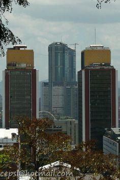 Torres del Silencio y Parque Central desde el Parque el Calvario. Caracas. Venezuela