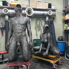 Look At These Amazing Chain Sculpture Created By Young-Deok Seo 서영덕 Metal Art Sculpture, Steel Sculpture, Metal Art Projects, Metal Crafts, Scrap Metal Art, Metal Wall Art, Arte Peculiar, Welded Art, Mannequin Art