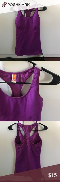 Lucy built in bra camisole work out tank Like new! No pilling at all!! Feels as if you just got it at the store! Lucy Tops Tank Tops