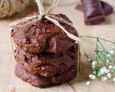 Cookies tout chocolat aux noisettes et pépites extra noir (sans matières grasses) : http://www.fourchette-et-bikini.fr/recettes/recettes-minceur/cookies-tout-chocolat-aux-noisettes-et-pepites-extra-noir-sans-matieres