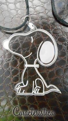 Ciondolo Snoopy in plexiglass trasparente satinatura a laser : Ciondoli di caracteristica