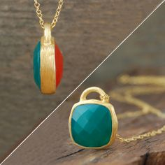 Red and Green Onyx Double-sided Square Gemstone Pendant Necklace. 18k Gold.
