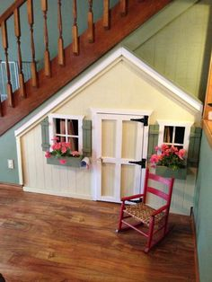 11 Incredible Kids Playhouses Under The Stairs Ever thought about putting a kids' playroom under Under Stairs Playhouse, Kids Indoor Playhouse, Build A Playhouse, Playhouse Ideas, Wooden Playhouse, Under The Stairs, Under Stairs Playroom, Inside Playhouse, Girls Playhouse